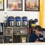 6 Yếu tố quyết định việc Bạn Nên Tự Mở Cửa Hàng Trà Sữa Hay Nhượng Quyền
